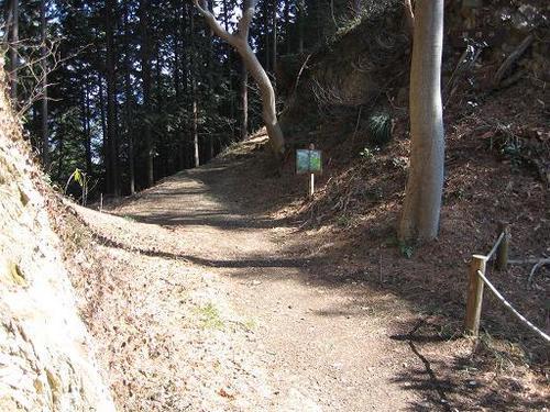 桐生城本丸と二の丸の間の堀切