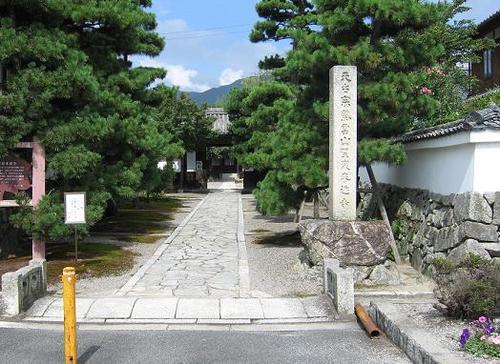 坂本城の門を移築した聖衆来迎寺